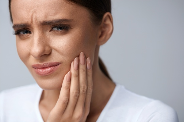 When Is An Emergency Root Canal Needed?